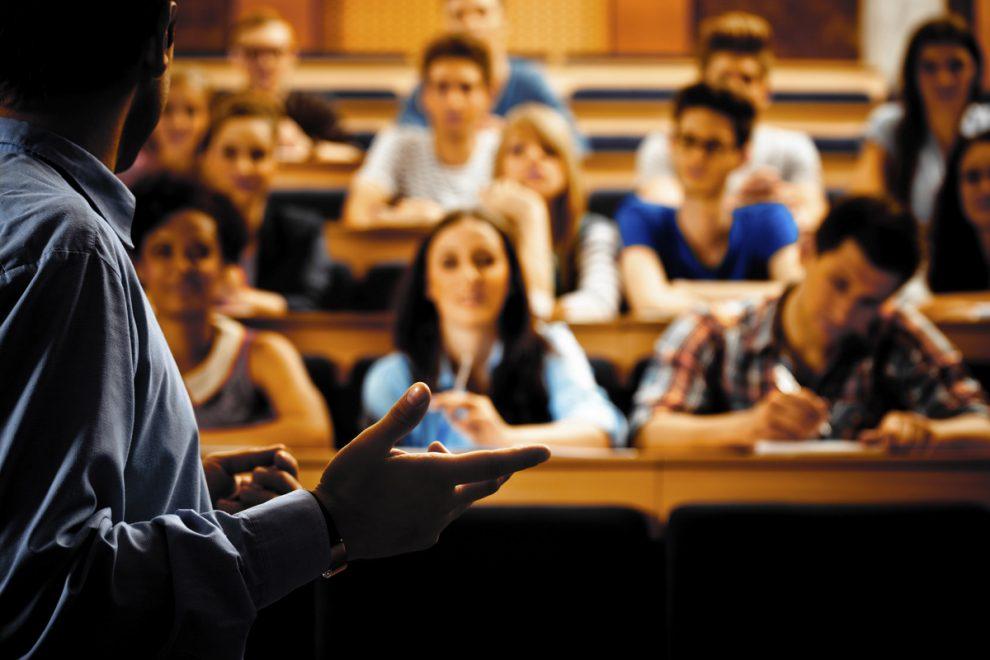 Una classe di studenti universitari.