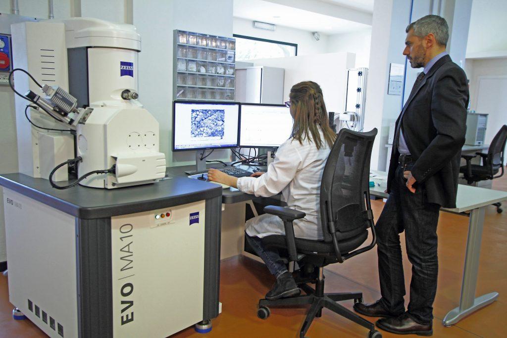Il microscopio a scansione elettronica.