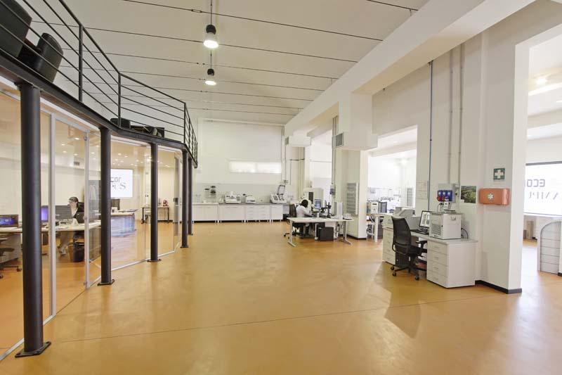 L'interno del laboratorio de Il Sentiero International Campus