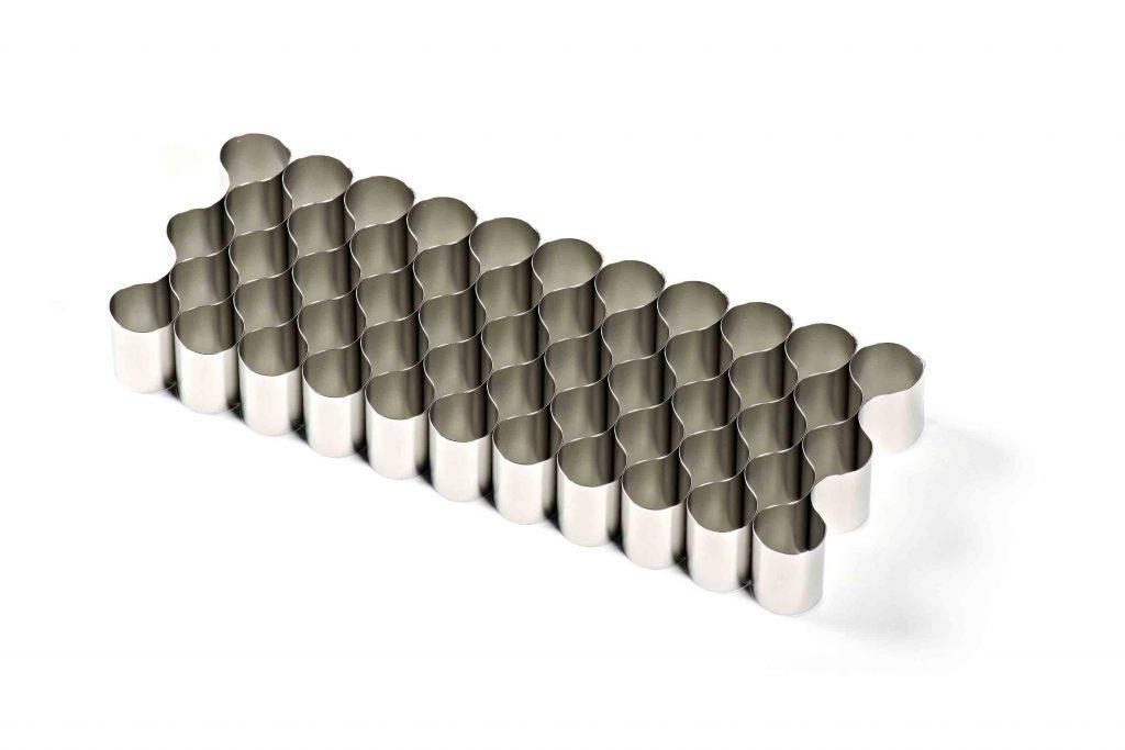 Un anodo, componente per la Meccanica Avanzata e la Ricerca, prodotto da Ecor International.